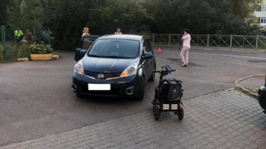 На Маточкина Nissan сбил инвалида на коляске - Новости Калининграда | Фото: пресс-служба УМВД России по Калининградской области