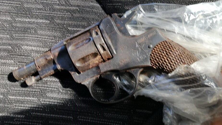В Зеленоградске у местного жителя нашли револьвер, изготовленный кустарным способом (фото) - Новости Калининграда | Фото: пресс-служба УМВД России по Калининградской области