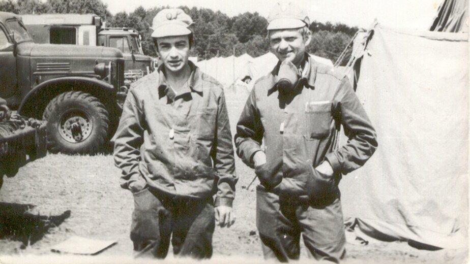 Леонид Бронфен (слева) в Чернобыле | Фото: личный архив