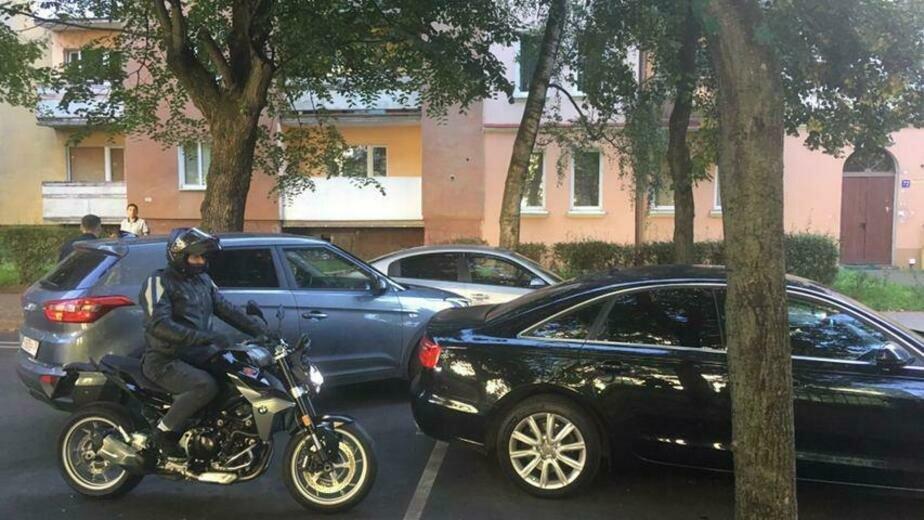 На ул. Комсомольской из-за аварии с двумя легковушками образовалась пробка - Новости Калининграда | Фото очевидца