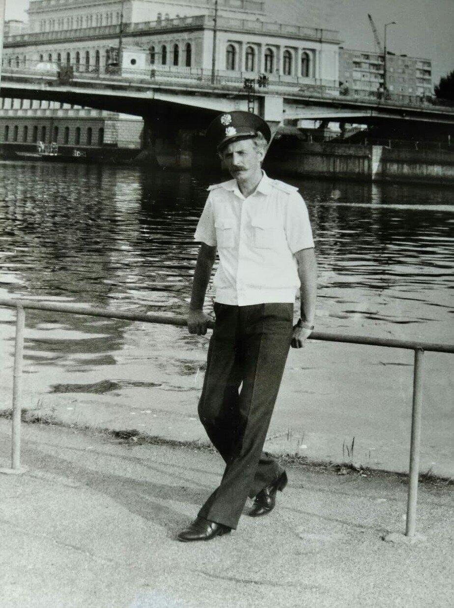 Проницательный взгляд калининградского милиционера. Геннадий Мялик | Фото: личный архив
