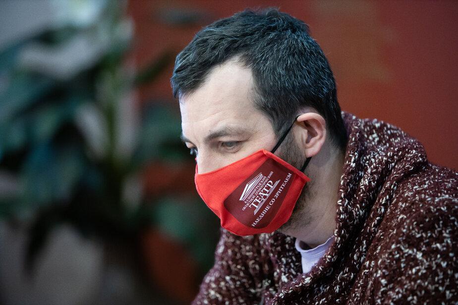 Пульмонолог рассказал, как отличить кашель при коронавирусе от кашля курильщика