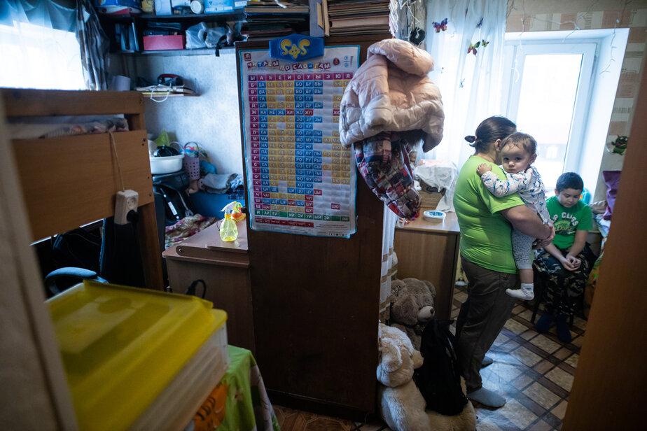 Девятилетний мальчик из Калининграда разводит цыплят в хрущёвке, чтобы помочь семье накопить на жильё  - Новости Калининграда | Фото: Александр Подгорчук