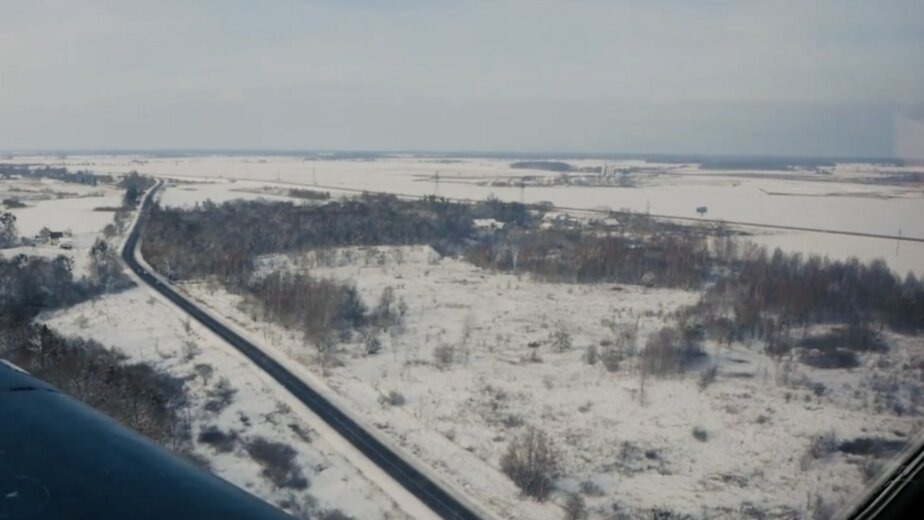 Как заснеженная Калининградская область выглядит из кабины пилота самолёта (видео) - Новости Калининграда | Изображение: кадр из видео