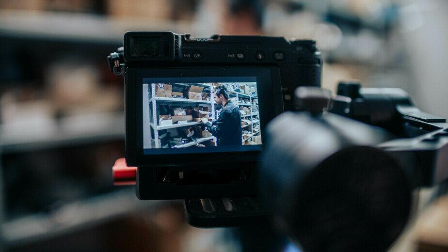 """""""С утра до вечера здесь кипит работа"""": как и зачем создаются успешные продающие видео - Новости Калининграда"""