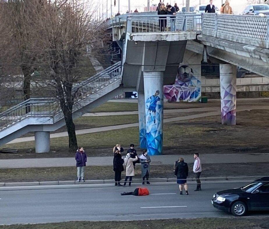 Очевидцы: в Калининграде с эстакадного моста упала женщина (фото)   - Новости Калининграда   Фото: очевидцы