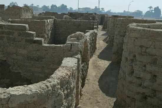В Египте нашли Золотой город, который около 3 тыс. лет был скрыт под песками