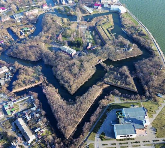На фото: цитадель Пиллау с высоты птичьего полёта | Фото: Александр Матвеев
