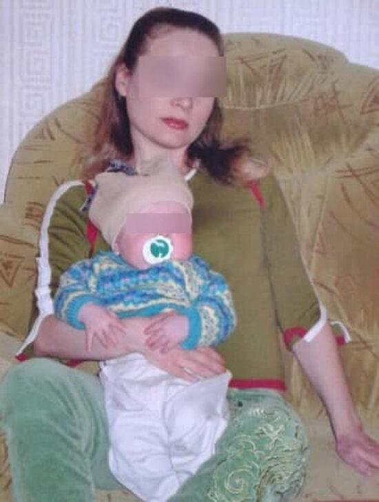 Марина с новорождённым сыном | Фото из личного архива семьи