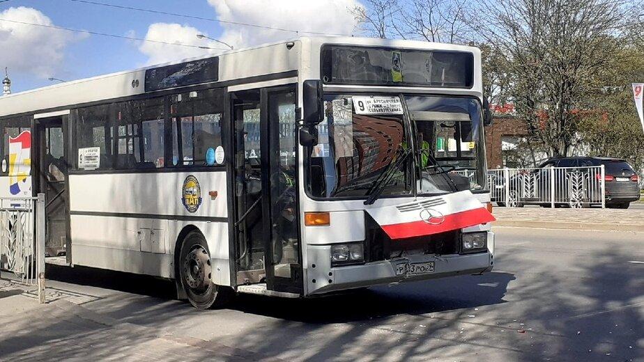 На 9 Апреля после столкновения с легковушками в автобусе из коляски выпал ребёнок - Новости Калининграда | Фото Михаила Лаврукайтиса