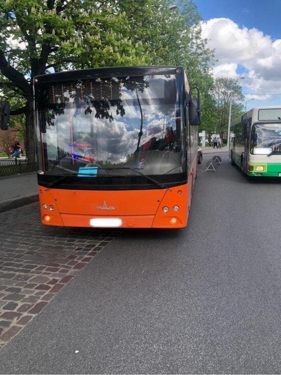 В ДТП на улице Черняховского пострадала пассажирка автобуса