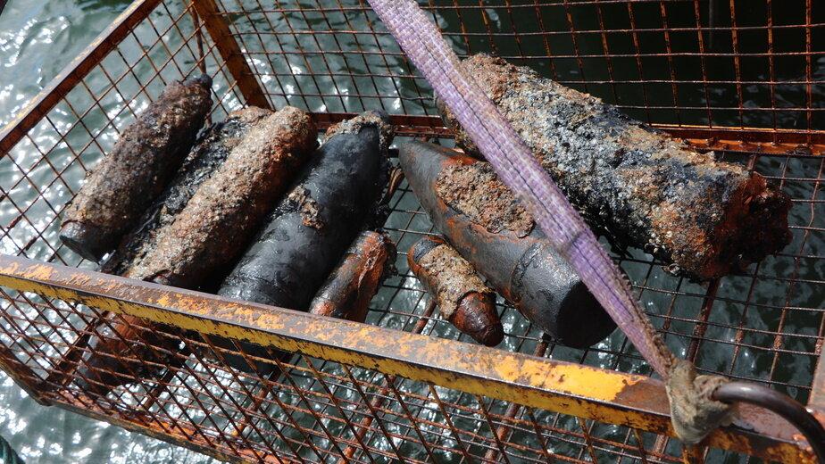 С затонувшей в Балтийском море баржи подняли более 4,5 тыс взрывоопасных предметов - Новости Калининграда | фото пресс-службы ГУ МЧС по Калининградской области