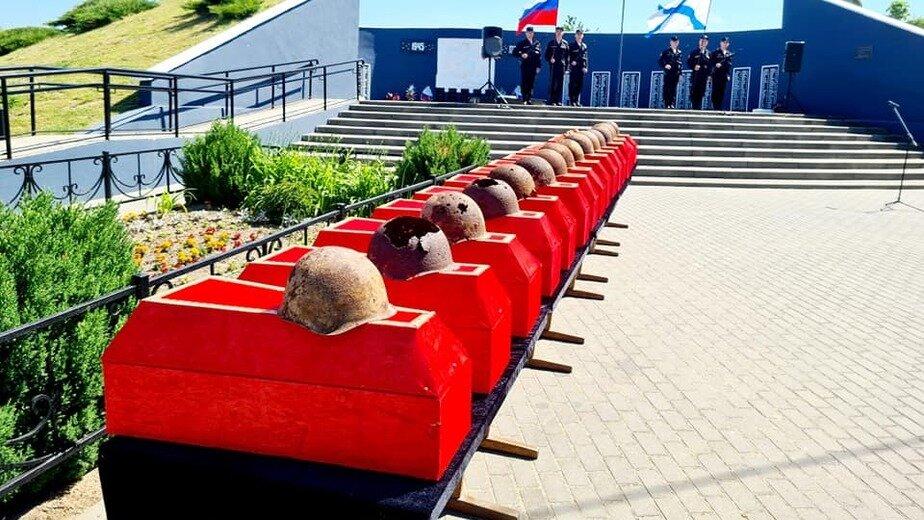 В Калининградской области перезахоронили останки 26 советских бойцов, найденных поисковиками - Новости Калининграда | Фото: Руслан Хисанов /Facebook