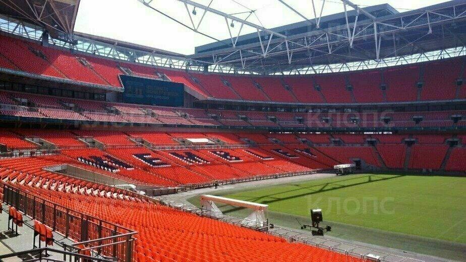 Английский стадион Уэмбли, на котором состоится финал Евро-2020   Фото: читатель «Клопс»