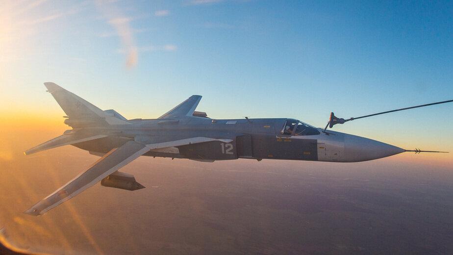 дозаправка истребителя в воздухе | фото пресс-службы Министерства обороны России