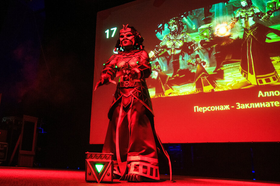 Сюзанна Шевелева, косплей персонажа из «Аллоды Онлайн»   Оргкомитет фестиваля