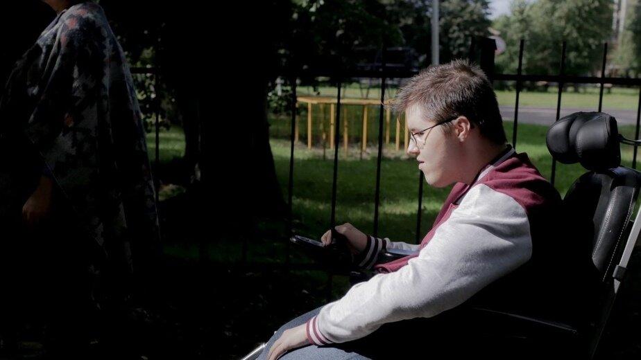 В Калининграде собирают деньги на аппарат вентиляции лёгких для 19-летнего парня с мышечной дистрофией - Новости Калининграда | Фото: благотворительный центр «Верю в чудо»