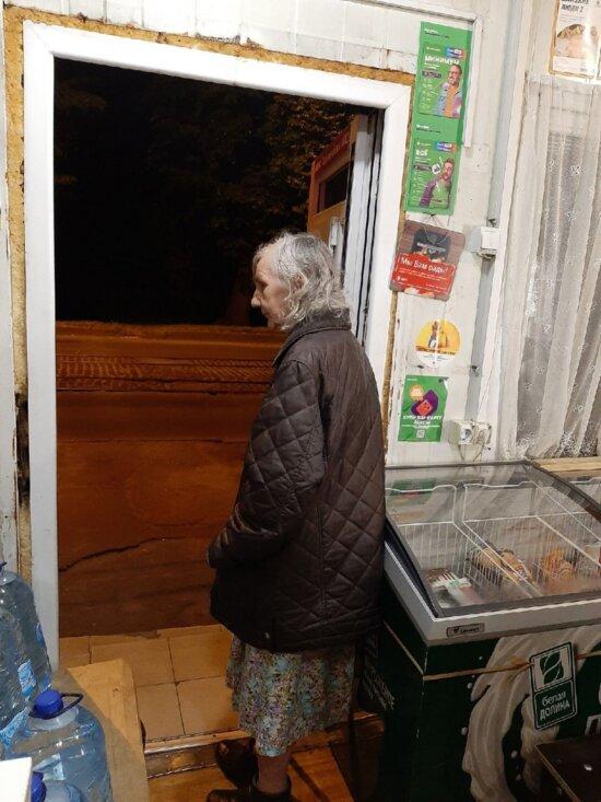 В Калининграде ищут пенсионерку, которую ночью приютили в магазине на Киевской - Новости Калининграда   Фото очевидца